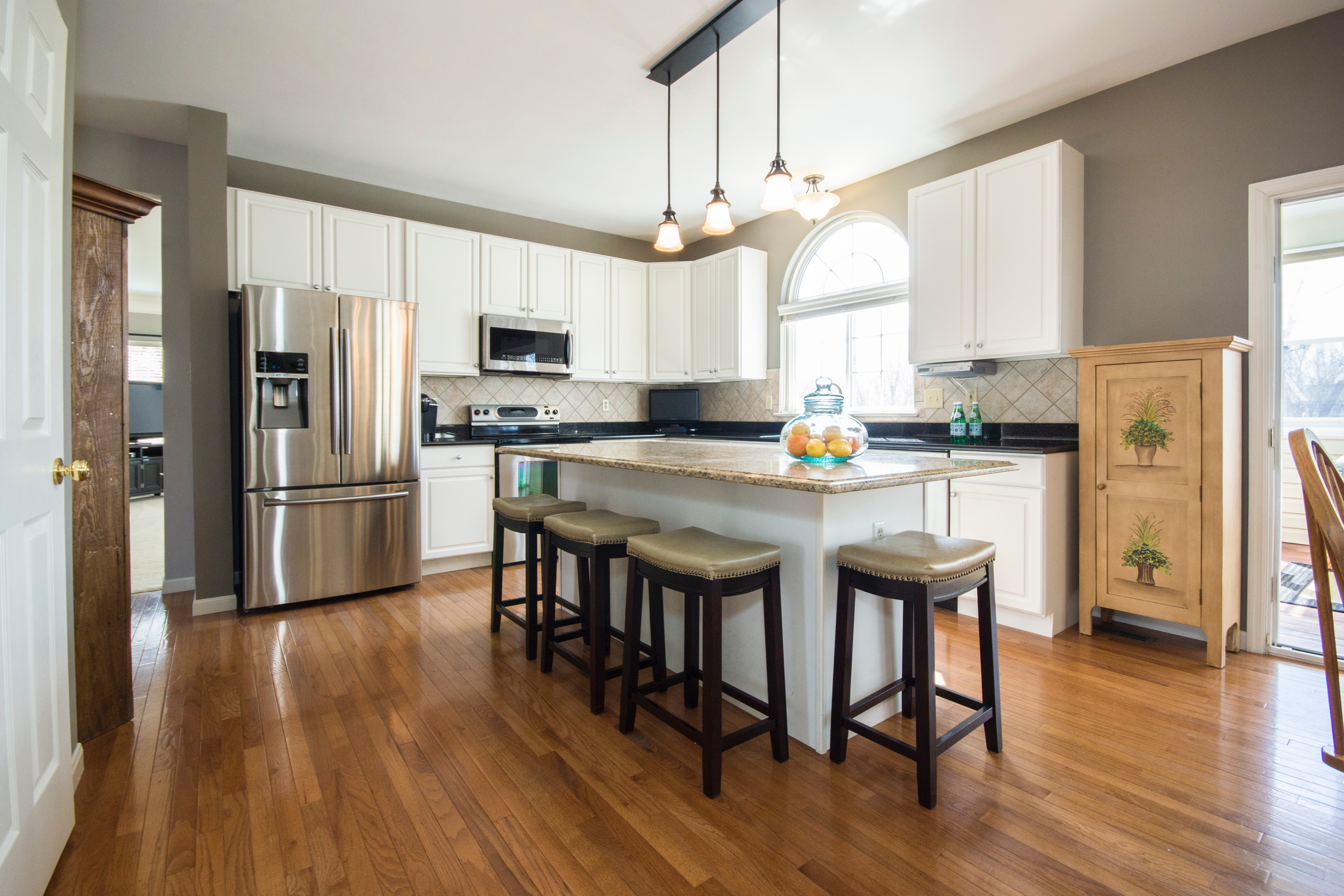 Right Choice Kitchen Cabinets